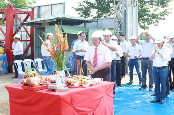The ground breaking ceremony of the Hutech Hi-Tech Institude