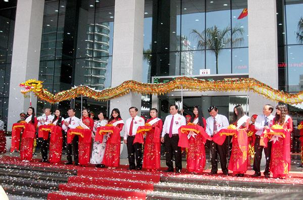 TAKCO image at the inauguration of Da Nang Administration Center